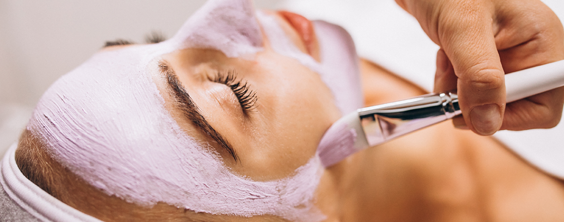 La Clinique Médico Esthétique Belle Mine, au Québec, offre traitements pour la peau et le corps dont le botox et laser pigmentaire, et anti-âge.
